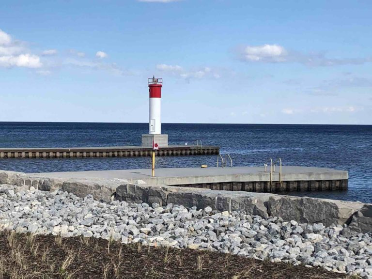 Oakville destinations include the lighthouse at the harbour front